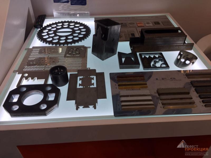Интерактивный стол Dedal Presenter 42 на выставке Weldex, которая проходила в КВЦ «Сокольники»
